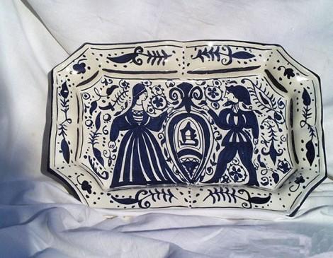Bandeja-medieval-azul-y-blanco